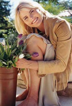 70'li yıllarda doğal görünüm revaçtaydı. Mariel Hemingway, kalın ve doğal görünümün temsilcilerindendi.